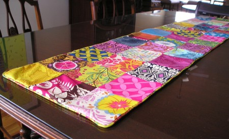 charm-pack-project-4-table-runner